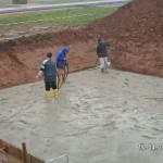 Beton wird verdichtet