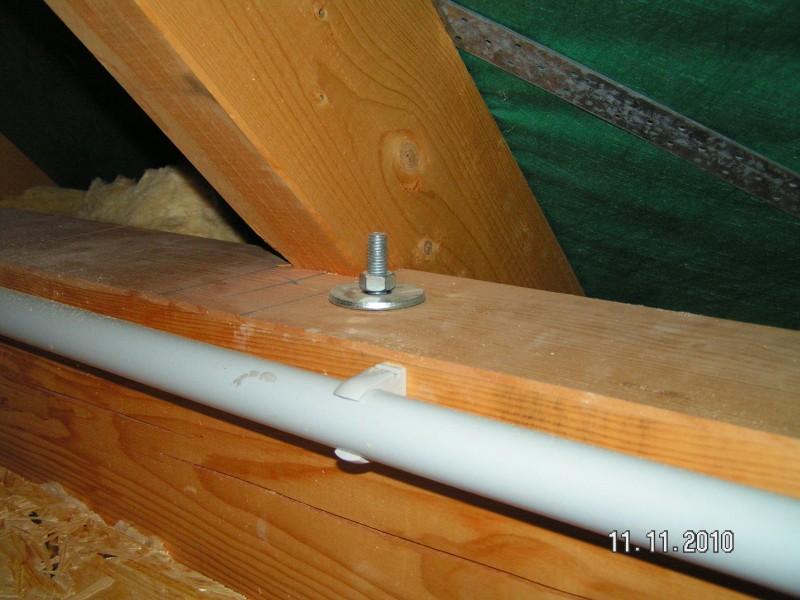 schrauben im dachstuhl nachziehen baublog von katja alexey. Black Bedroom Furniture Sets. Home Design Ideas