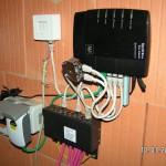 CAT-Kabel Nr. 1 wird doppelt bespielt von der FritzBox über einen Anschlussverdoppler