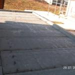 Hier ist das Dach mit zwei Lagen fertig