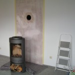 Die Wand abgeklebt und grundiert
