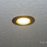Eingebauter LED-Spot: wirklich etwas gelb