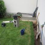Beton im Eimer anrührer und gießen
