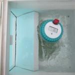 Der Temperatursensor WT0122 schwimmt im Skimmer